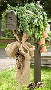 burlap bow for the mailbox. so cute for the holiday season.