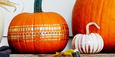 Decorating for Halloween and fall usually involves yielding a pointy object and carving into a pumpkin, but maybe you should try something effortless like these no-carve pumpkin decorating ideas. Pumpkin Faces, Cute Pumpkin, Diy Pumpkin, Pumpkin Ideas, Foam Pumpkins, Small Pumpkins, Painted Pumpkins, Carving Pumpkins, Halloween Pumpkins