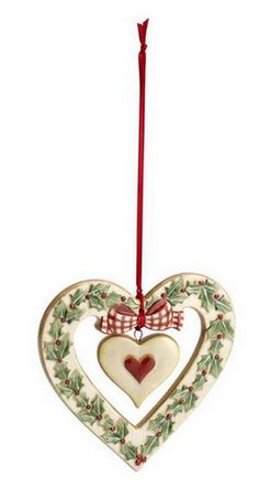 ~ Heart Ornament ~ I'd love to make this w/ Salt Dough....Decopauge the Holly....