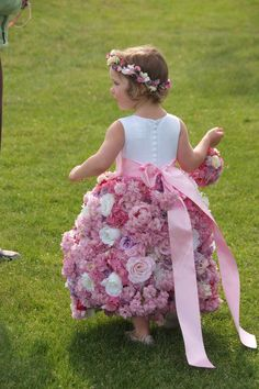 now This is a true flower girl!!  Ss the world through the eyes of a child...