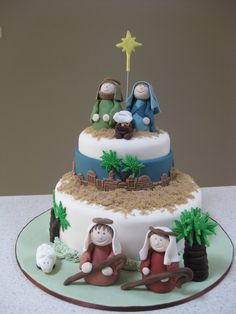 Developing a lovely Christmas cake is simpler than ever with our Christmas cake decorating thoughts and smart Christmas Cake Designs, Christmas Tree Cake, Christmas Cake Decorations, Christmas Nativity, Cake Decorating Supplies, Cake Decorating Techniques, Decorating Ideas, Novelty Birthday Cakes, Novelty Cakes