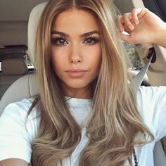The natural makeup really compliments the hair tones Miladies net is part of Tone hair - Coiffure Hair, Brown Blonde Hair, Pinterest Hair, Light Hair, Balayage Hair, Bayalage, Hair Highlights, Summer Hairstyles, Hair Dos