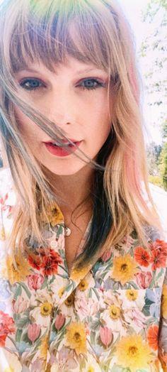 Taylor Swift Tumblr, Taylor Swift Album, Taylor Swift Concert, Taylor Swift Quotes, Taylor Alison Swift, Taylor Swift Wallpaper, Elsa Hosk, Hollywood Celebrities, Running Women
