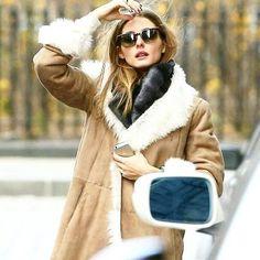 The coat #inspo #oliviapalermo #itgirl #sheinspires #fur #suede #abrigo #coat #ootd #lookdujour #mencanta #fashion #trends #moda #tendencias #streetfashion #streetstyle #instalook #instalike #like #follow #personalshopper #stylist #mvstyle
