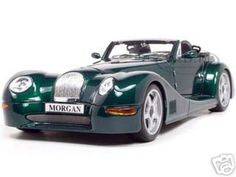 Morgan Aero 8 Diecast Model Green 1/18 Die Cast Car By Bburago