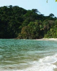 Villa Perezoso  ( Manuel Antonio National Park, Costa Rica )  Costa Rica's premier beaches are close at hand. #Jetsetter    http://destinos-blog.com