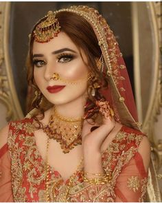 Pakistani Bridal Makeup, Pakistani Bridal Dresses, Pakistani Dress Design, Bridal Makeup Looks, Bridal Looks, Bridal Pictures, Bridal Pics, Dress Indian Style, Bridal Dress Design