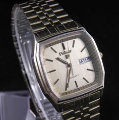 Retro - Pulsar Men's Watch Gold Tone Dress Watch with Day and Date (Y148-5009) #Pulsar #LuxuryDressStyles