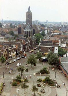 """Het """"Hema plein"""",  lange kerkstraat, sint jans kerk. Schiedam centrum gezien vanaf de broersvest"""