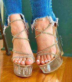 Strappy High Heels, Sexy Heels, Wedge Heels, Stiletto Heels, Gorgeous Feet, Beautiful Shoes, Barefoot Girls, Jeans With Heels, Cute Heels