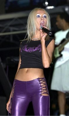 2000s Fashion Trends, Early 2000s Fashion, 80s Fashion, Look Fashion, Fashion Outfits, Fashion Photo, Christina Aguilera, Stage Outfit, 00s Mode