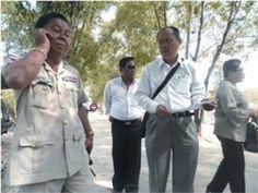 นายการุณ ใสงาม ม.ล.วัลย์วิภา จรูญโรจน์ และคณะเครือข่าย ติดต่อเข้าเยี่ยม 5 คนไทยที่ยังถูกขังในเรือนจำเปรซอว์ แต่จนท.ไม่อนุญาตแล้วยังกันออกห่างกำแพงคุกหลายร้อยเมตร เมื่อวันที่ 14 ม.ค.2554
