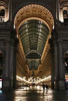 Galleria Vittorio Emanuele, Milan, Italy I HAVE BEEN HERE AND IT IS ABSOLUTELY BEAUTIFUL !