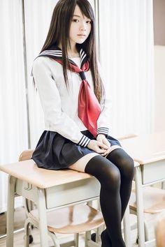 美腿x膝上襪最高 — scandalousgaijin:   Seifuku