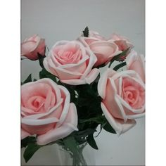 rosas artificiales de latex perfumadas.