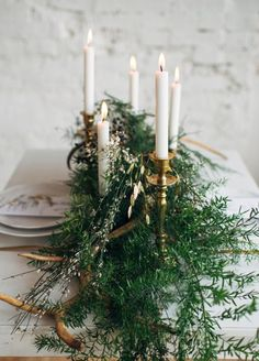 Since centerpieces are the main event at your reception, we're showing you 10 fresh and frosty ideas that will prove that the magic of winter still exists.