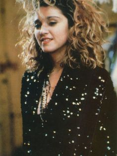 Loved this jacket - Madonna - Desperately Seeking Susan 1985 I didn't see this film till I was Such a gateway into femme confusion, Madonna Movies, Lady Madonna, Madonna 80s, Desperately Seeking Susan, Marilyn Monroe, La Madone, Idole, Material Girls, Celebs