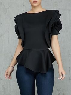 Shop Solid Ruffle Layered Irregular Hem Top right now, get great deals at Chiquedoll Girl Fashion, Fashion Dresses, Fashion Design, Style Fashion, Vestido Lady Like, Blouse Models, Couture Tops, Womens Fashion Online, Pattern Fashion