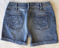 SILVER JEANS SALE Buckle Mid Rise Lia Denim Stretch Jean Shorts 30 #SilverJeans #CasualShorts