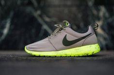 best sneakers f1646 c4fec Nike Roshe Run Marble Bamboo Nike Gratis Sko, Løbesko Nike, Arbejdsoutfits,  Vinteroutfits,