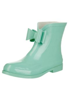 Even - Gummistiefel - mint Green Wellies, Green Boots, Rainy Day Fashion, Even And Odd, Tiffany Blue, Hunter Boots, New Shoes, Mint Green, Rubber Rain Boots