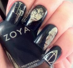 Tips and Topcoat: Harry Potter Nail Art (Another Face Attempt) *Paint It Blue* Harry Potter Nail Art, Harry Potter Nails Designs, Harry Potter Love, Harry Potter Characters, Cute Nails, Pretty Nails, Hair And Nails, My Nails, Peggy Sage