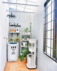 Look Fresh with 7 Minimalist Laundry Room Decoration Ideas - Trend Home Ideas Outdoor Laundry Rooms, Tiny Laundry Rooms, Laundry Room Shelves, Home Room Design, Home Design Decor, Interior Design Living Room, Minimalist House Design, Minimalist Home, Home Organization Hacks