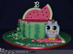My Friday delivery! It was for an 18th Birthday, the birthday girl had two things she really loved watermelon and owls so we decided to put the two of them together. The cake was a Cookies and Cream Mud Cake the I coloured a watermelon colour to replicate the look of a watermelon with seeds.