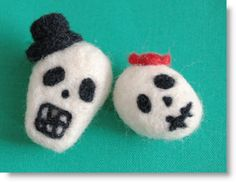 felting tute skulls for halloween
