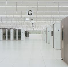 NURSING DATA: THE ARCHITECTURE OF COMPUTING CENTRES