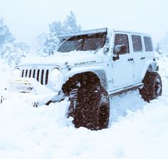 A little snow can't stop a jeep ❄️