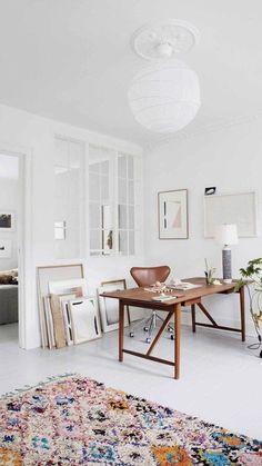 La boule en papier blanc pour une d co boh me chic - Atelier des tilleuls Home Office Space, Home Office Design, Home Office Decor, House Design, Decor Inspiration, Workspace Inspiration, Decor Ideas, Home Interior, Interior Architecture