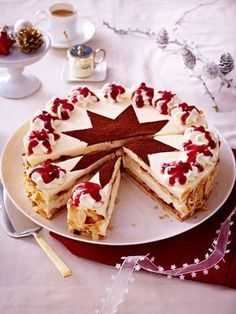 Christmas cake recipes for the pre-Christmas period - backen - Sweet Recipes, Cake Recipes, Dessert Recipes, Christmas Desserts, Christmas Baking, Pre Christmas, Christmas Recipes, Dessert Design, Sweet Bakery