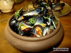 Medieval Monday – Muscules In Shelle / Blåskjell Medieval Recipes, Ancient Recipes, Fish Recipes, Seafood Recipes, Soup Recipes, Retro Recipes, Ethnic Recipes, Vintage Recipes, Medieval Banquet