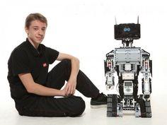 Український школяр створив серію DIY-роботів і запустив кампанію на Kickstarter #новини  http://inspired.com.ua/technology/elfi-robotics-kickstarter/ …