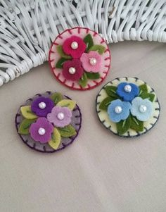 Items similar to Felt- Wool Felt - Snap Clip - Bouquet of Flowers in Purples - Pinks - or Blues ( Small) Pick One - Berry Cool Designs on Etsy Felt Flowers, Fabric Flowers, Sewing Crafts, Sewing Projects, Felt Crafts Patterns, Felt Hair Clips, Wool Embroidery, Barrettes, Felt Baby
