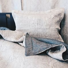 Throw Pillows, Bed, Home, Cushions, Stream Bed, Ad Home, Homes, Beds, House