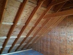 屋根には2×6(ツーバイシックス)という、より分厚い柱が使われています