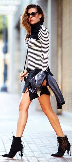 Fashioned Chic Black And White Stripe And Fringe Outfit Idea