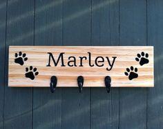 Benutzerdefinierte Hund Leine Halter, Hund Pfote Zeichen personalisiert Holz Schild, Hund Leine Haken, Hund Anzeichen für ein Haus, Haustier Zeichen, Leine und Halsband Aufhängung