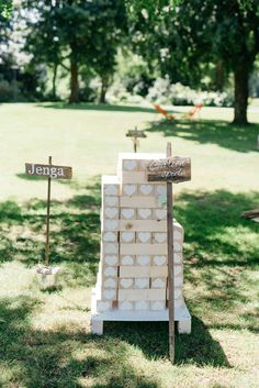 10 ideas for the employment and entertainment of your guests at the wedding - Hochzeitsdekoration I Wedding decoration - Rustic Wedding Gifts, Personalized Wedding, Boho Wedding, Wedding Tips, Wedding Blog, Wedding Planning, Wedding Website, Burgundy Wedding Invitations, Lawn Games