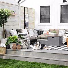 """1,562 curtidas, 7 comentários - Casa.com.br (@casacombr) no Instagram: """"Aproveitando ao máximo o espaço disponível, o sofá deste cantinho é em L e abraça toda a lateral do…"""""""