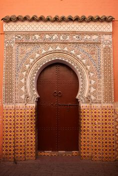 Marrakesh is full of beautiful examples like this doorway in the medina, the old arabic quarters. The plasterwork and mosaics are really impressive. Cool Doors, Unique Doors, Portal, When One Door Closes, Grades, Knobs And Knockers, Islamic Architecture, Spanish Architecture, Grand Entrance