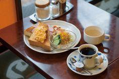 カフェマニアの川口葉子さんおすすめ!老舗喫茶がひしめく浅草で行きたいお店より、モーニング15種に出来たてカツサンド、ホテル出身シェフのナポリタンなど食事も充実している3軒をご紹介。