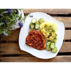 Polski obiad. Schabowy z ziemniakami 😃 Pycha 😋---> Zapraszam na moją stronę na fb https://m.facebook.com/eatdrinklooklove/ ❤ . . Polish dinner. Pork chop with potatoes 😃 Delicious 😋 ---> I invite you to my page on fb https://m.facebook.com/eatdrinklooklove/ ❤ .