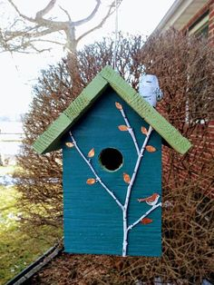 Rustic birdhouses, option of tourqoise painted or stained, each with different roof colors, nice gift, fast shipping! Wooden Bird Houses, Decorative Bird Houses, Bird Houses Painted, Bird Houses Diy, Painted Birds, Hand Painted, Painted Birdhouses, Rustic Birdhouses, Birdhouse Designs