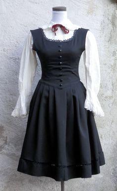Gothic Lolita black dress di LaborARTorIA su Etsy