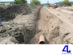 #ConstructoraVeracruz Realizamos diferentes tipos de obras. LA MEJOR CONSTRUCTORA DE VERACRUZ. Las obras de drenaje, son todas aquellas estructuras construidas para desalojar tanto el agua que corre sobre la superficie del camino, como la que lo cruza. Éstas evitan la destrucción del camino, principalmente en épocas de lluvia. En Grupo ALSA, le invitamos a comunicarse con nosotros a los números telefónicos 01(229)9225563 y 01(229)9225292, donde con gusto le atenderemos.