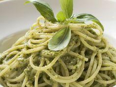 Pasta mit Pesto alla genovese ist ein Rezept mit frischen Zutaten aus der Kategorie Pesto. Probieren Sie dieses und weitere Rezepte von EAT SMARTER!