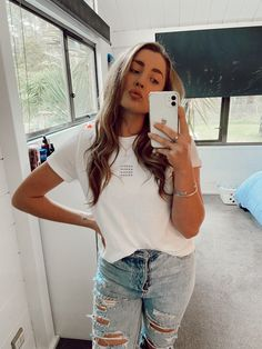 #rippedjeans #whitetshirt Online Personal Trainer, Young Family, Ripped Jeans, Trainers, T Shirts For Women, Tops, Fashion, Tattered Jeans, Tennis